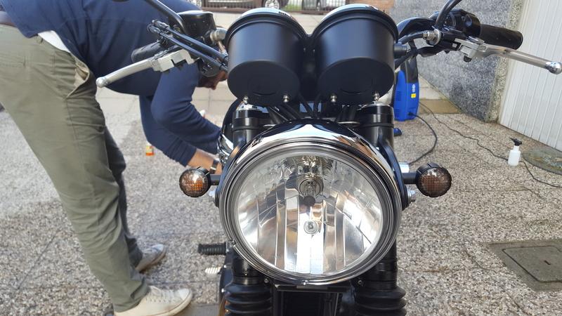 MiTomane Vs. Triumph Bonneville T100 20161012