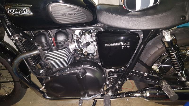 MiTomane Vs. Triumph Bonneville T100 20161019