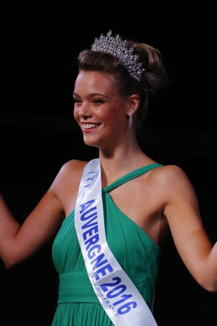 En route pour Miss France : AUVERGNE Auverg12