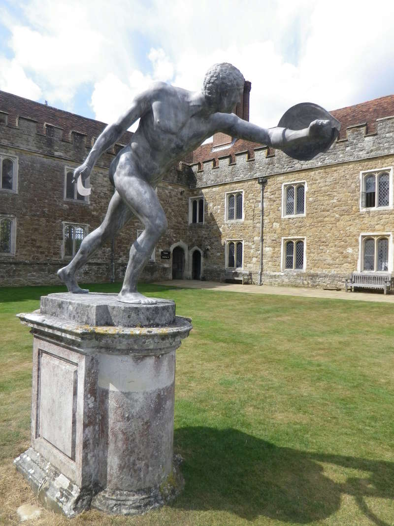 Le duc de Dorset, ambassadeur d'Angleterre en France - Page 2 Anglet12