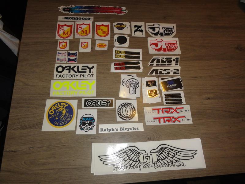 stickers et mousse de guidon Dsc02710