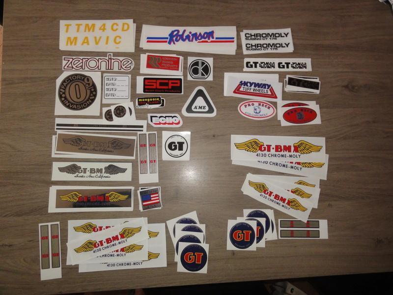 stickers et mousse de guidon Dsc02711