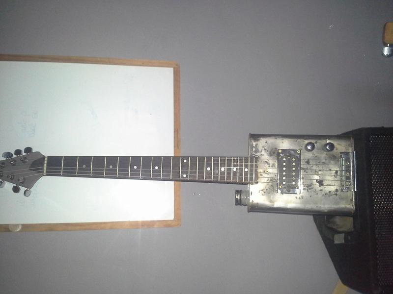 guitare total récup.. 20160938