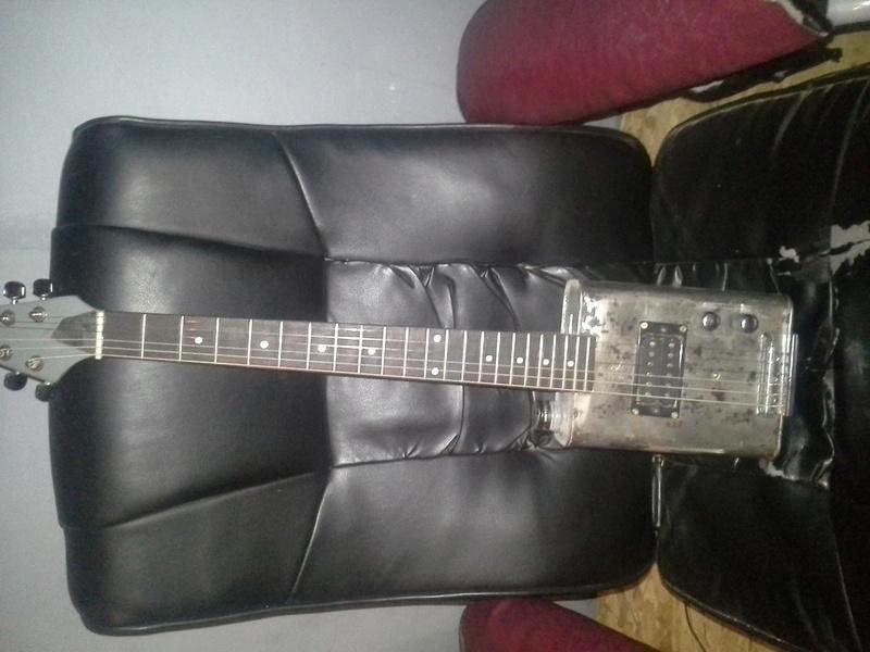 guitare total récup.. 20160939