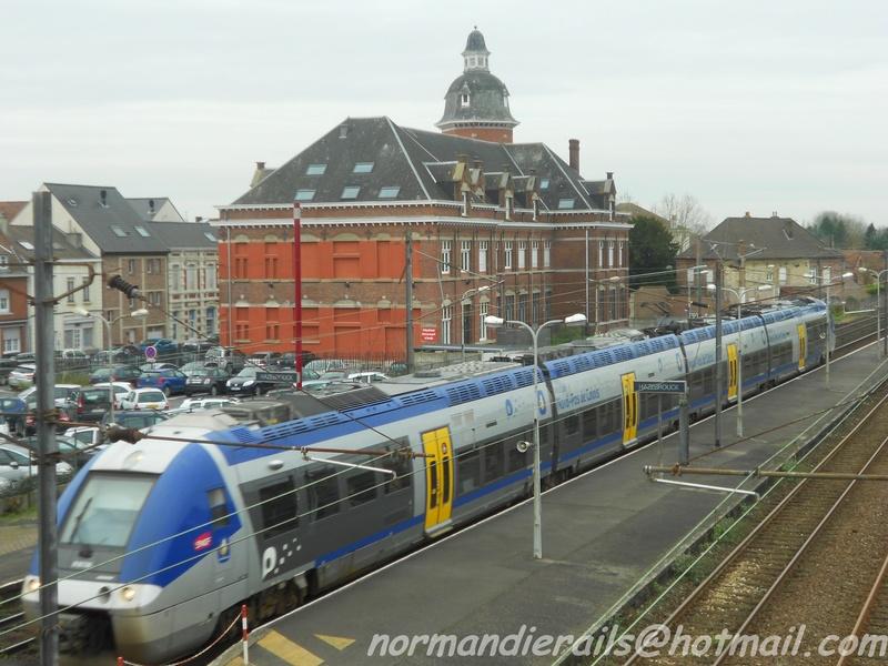 HAZEBROUCK, le trains meul-heure de pointe ! 1114