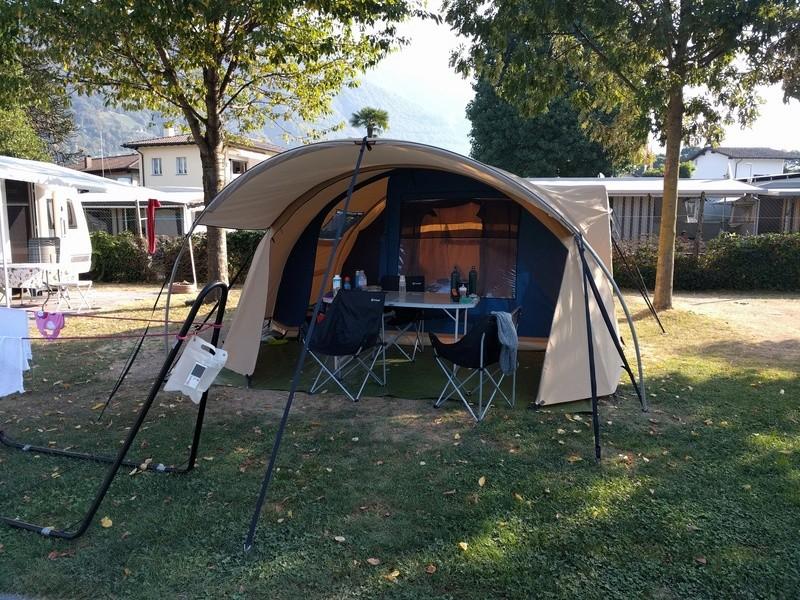 Tente pour famille de 4 personnes Img_2013