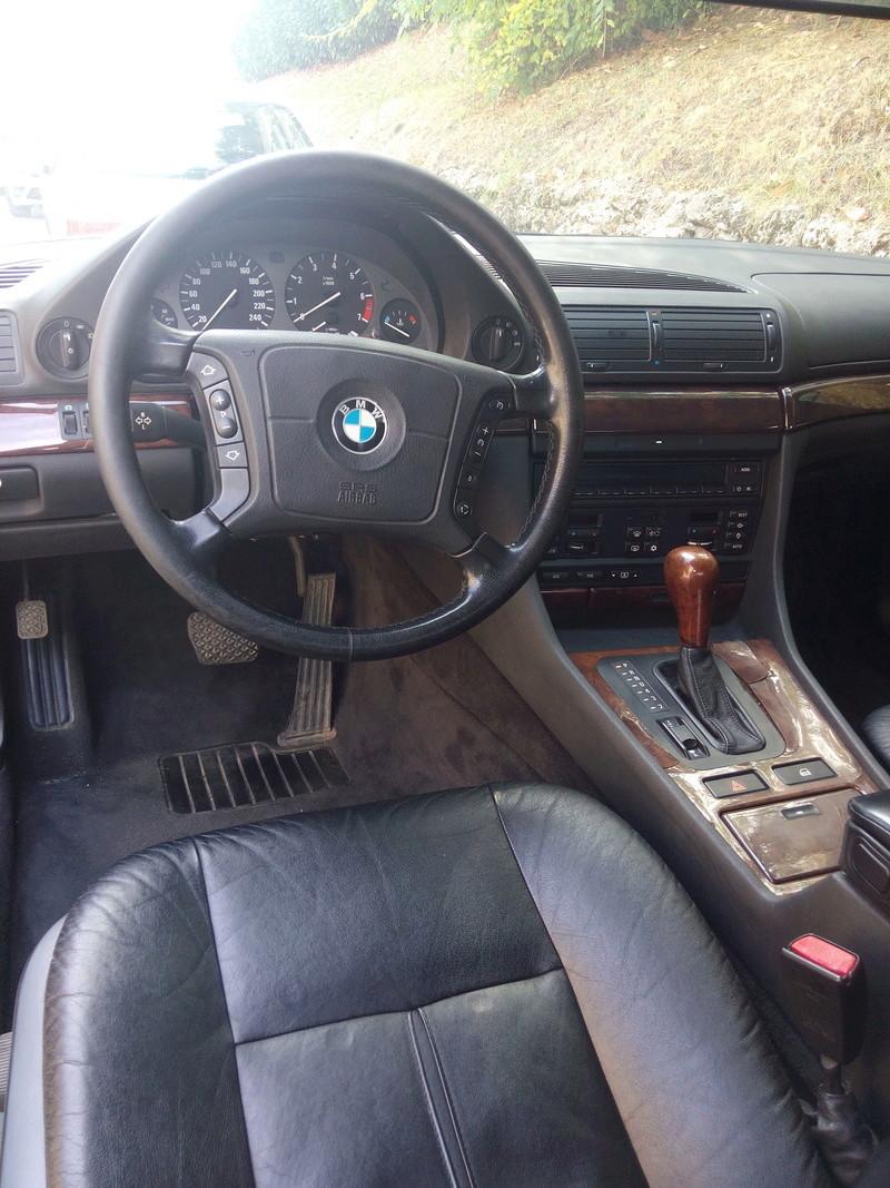 Un V8 de plus Img_2010