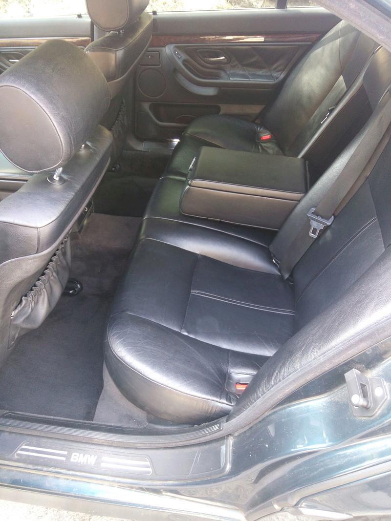 Un V8 de plus Img_2011