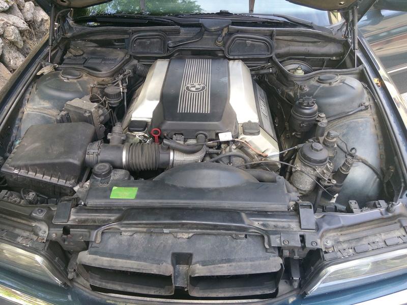 Un V8 de plus Img_2012
