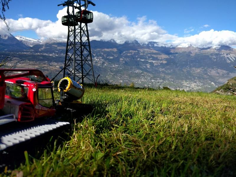 Station de ski miniature en Suisse - Page 2 Img_2042
