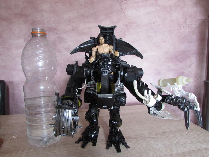 """Robot de chargement 2199 et des poussières - Ma première machine à café """"comme quoi on peut tout faire avec rien..."""" Z_111"""