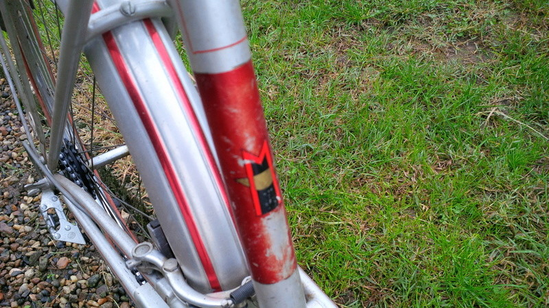 Motoconfort gris & rouge Img_2030