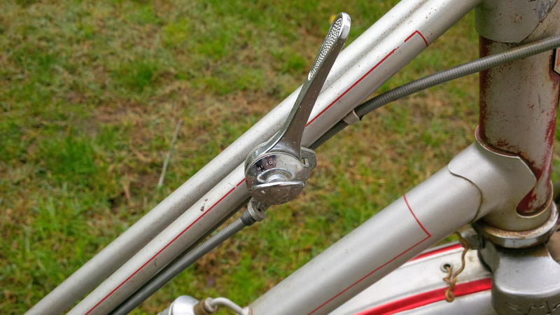 Motoconfort gris & rouge Img_2032