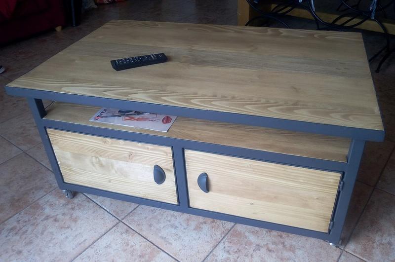 Table basse métal et bois de récup Img_2011