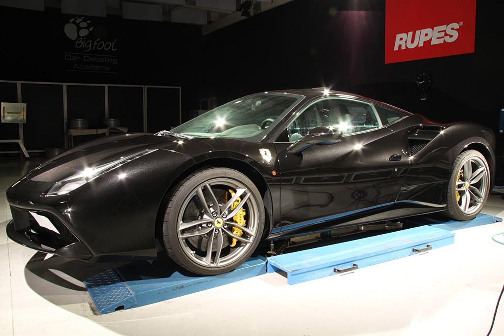 Davide Engheben @ BigFoot Centre in Ferrari 488 GTB Nanotech Detailing 1711