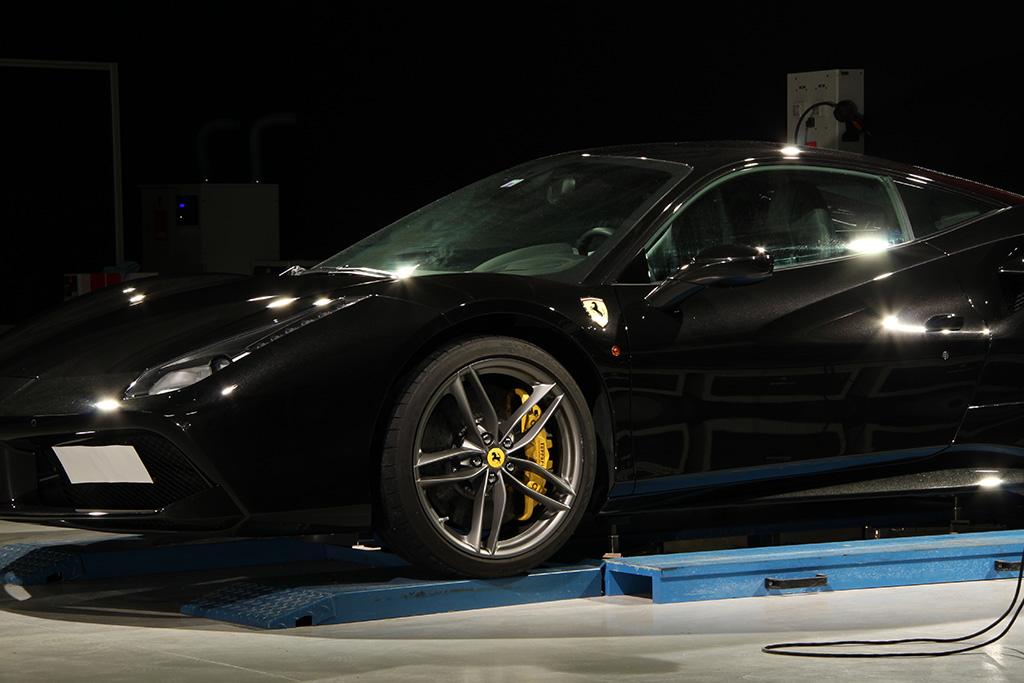 Davide Engheben @ BigFoot Centre in Ferrari 488 GTB Nanotech Detailing 2211