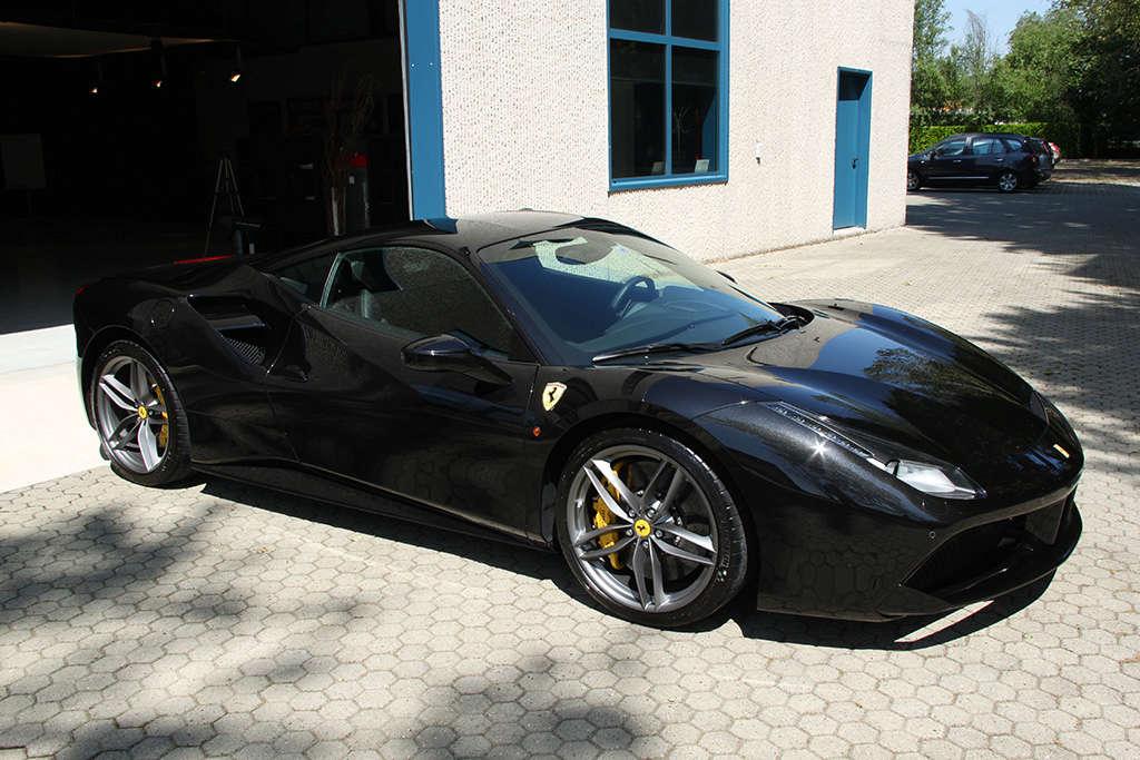 Davide Engheben @ BigFoot Centre in Ferrari 488 GTB Nanotech Detailing 3211