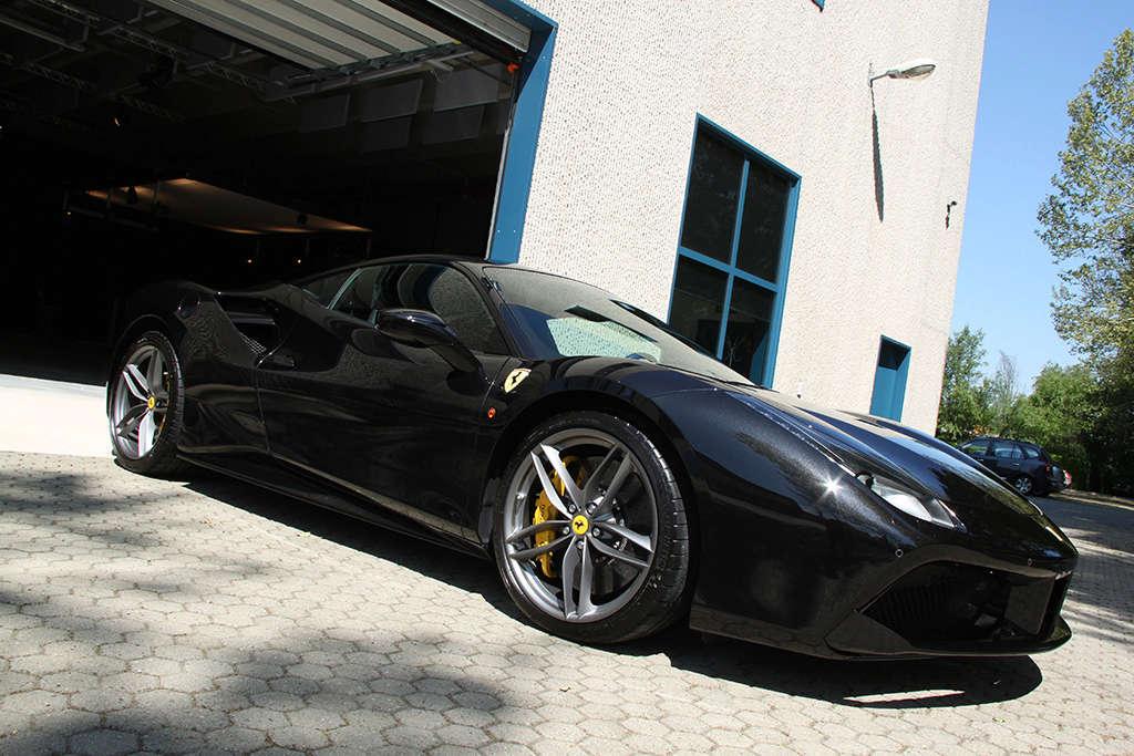 Davide Engheben @ BigFoot Centre in Ferrari 488 GTB Nanotech Detailing 3311