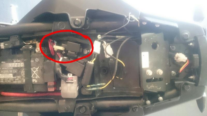 problemes clignotant arrière yamaha LED Sketch10