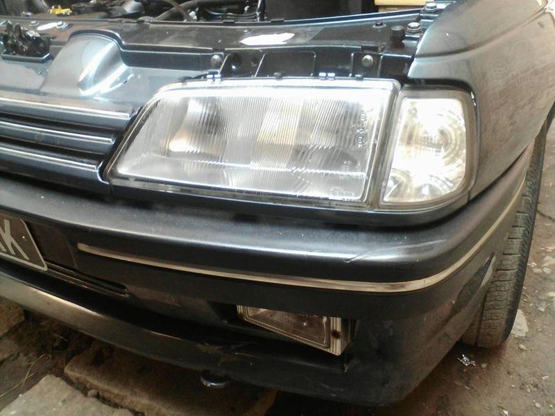 Peugeot 405 Signature ( Madagascar ) 14563410