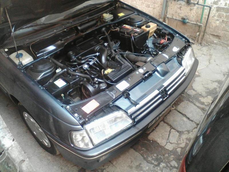 Peugeot 405 Signature ( Madagascar ) 14572310