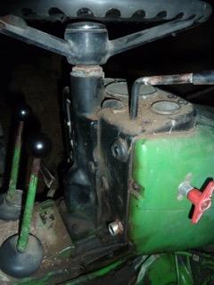 Problème huile hydraulique john deere 1120 P1100712