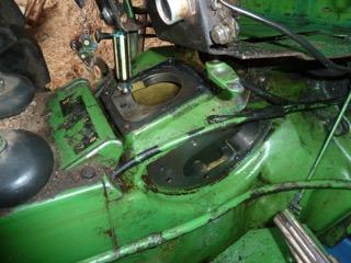 Problème huile hydraulique john deere 1120 P1100811