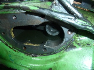Problème huile hydraulique john deere 1120 P1100812