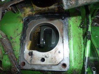 Problème huile hydraulique john deere 1120 P1100813