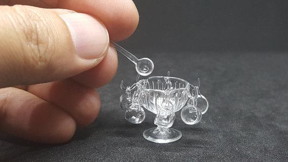 Möbel, Geschirr und ähnliche Kleinteile zur Figurengröße 7 cm Mini-b10