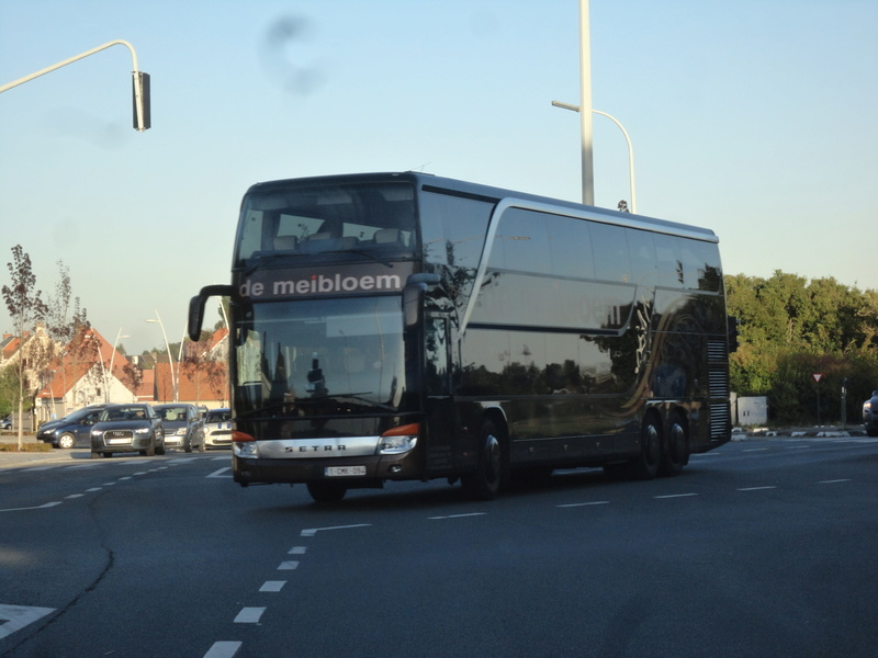 Cars et Bus de Belgique - Page 21 Dsc08512