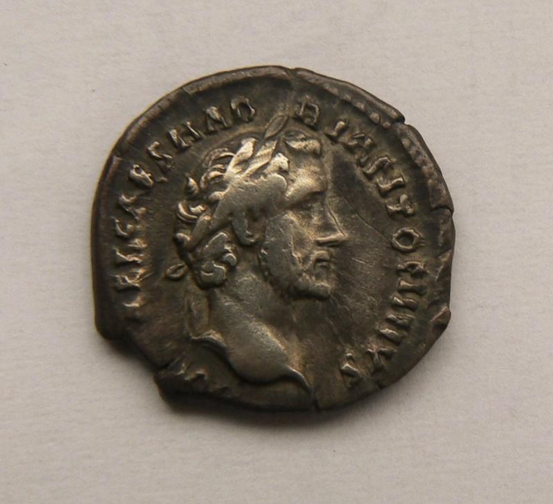 Deux deniers inédits d'Antonin le Pieux P1210716