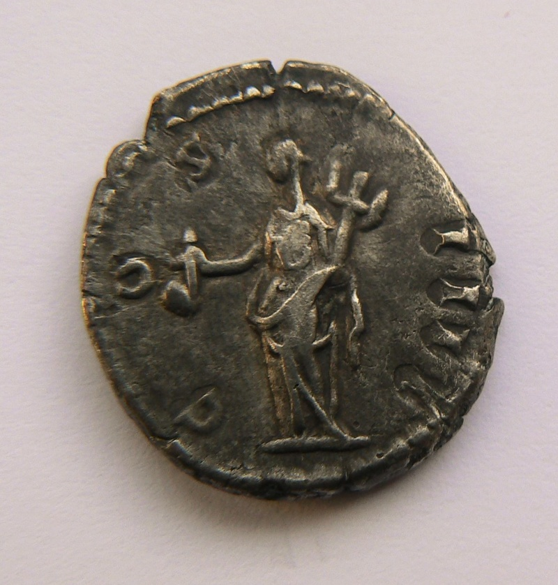 Deux deniers inédits d'Antonin le Pieux P1210911