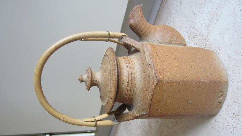 coarse unglazed teapot, Gösta Grähs & Kerstin Hörnlund, Sweden Img_0716