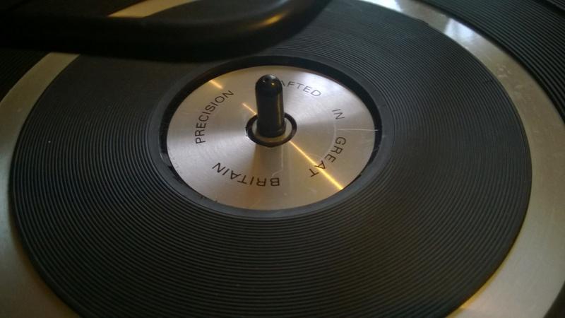 Amplificatore morto e giradischi con presa differente Wp_20115