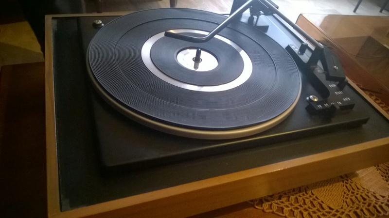 Amplificatore morto e giradischi con presa differente Wp_20117