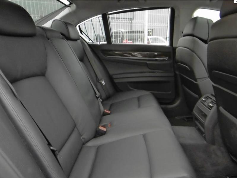 Présentation BMW 740d xDrive Exclusive F01 de 2012 Bmw74010