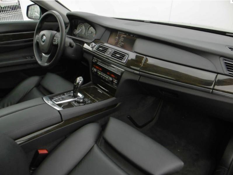 Présentation BMW 740d xDrive Exclusive F01 de 2012 Bmw74013