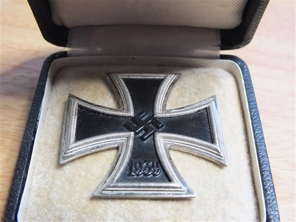 Croix  de  fer - Page 3 Dscf6112
