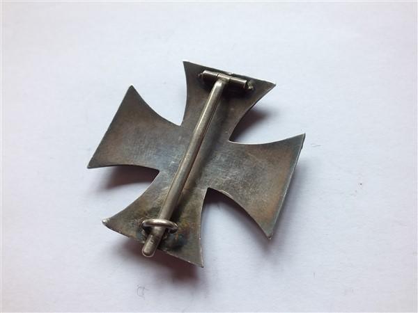 Croix  de  fer - Page 2 Dscf6820