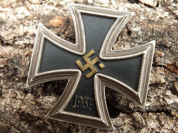 Croix  de  fer - Page 3 Dscf6832