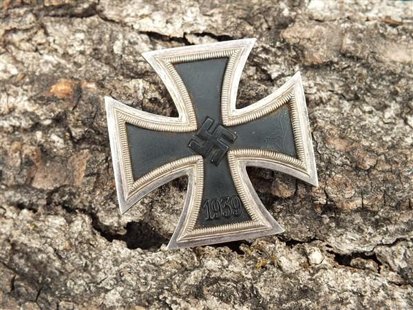 Croix  de  fer - Page 3 Dscf6837