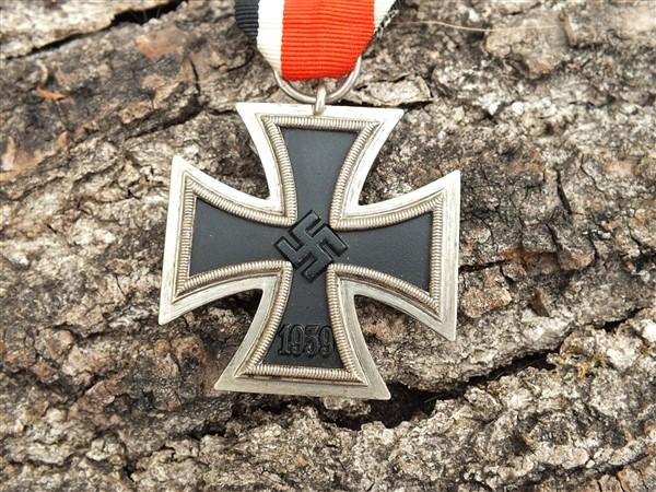 Croix  de  fer - Page 3 Dscf6843