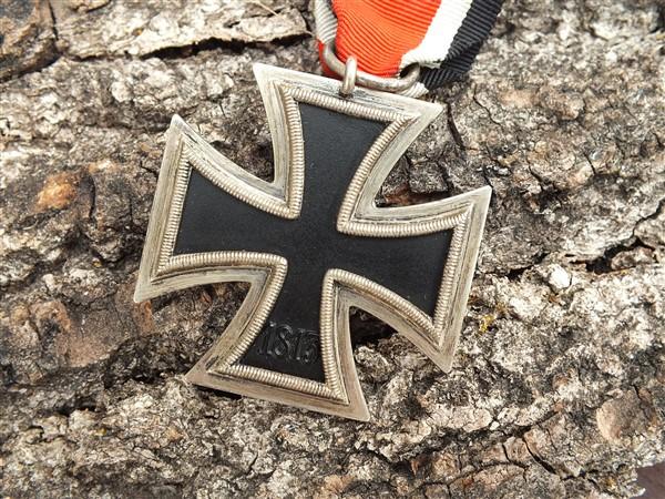 Croix  de  fer - Page 3 Dscf6844