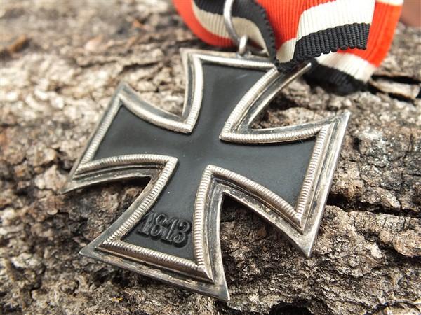 Croix  de  fer - Page 3 Dscf6846