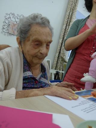 Preuves de vie sur les personnes de 110 ans et plus - Page 10 Muts_s10
