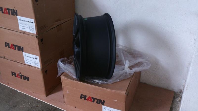 Jantes noir PLATIN 8x18'' neuve Dsc_0022