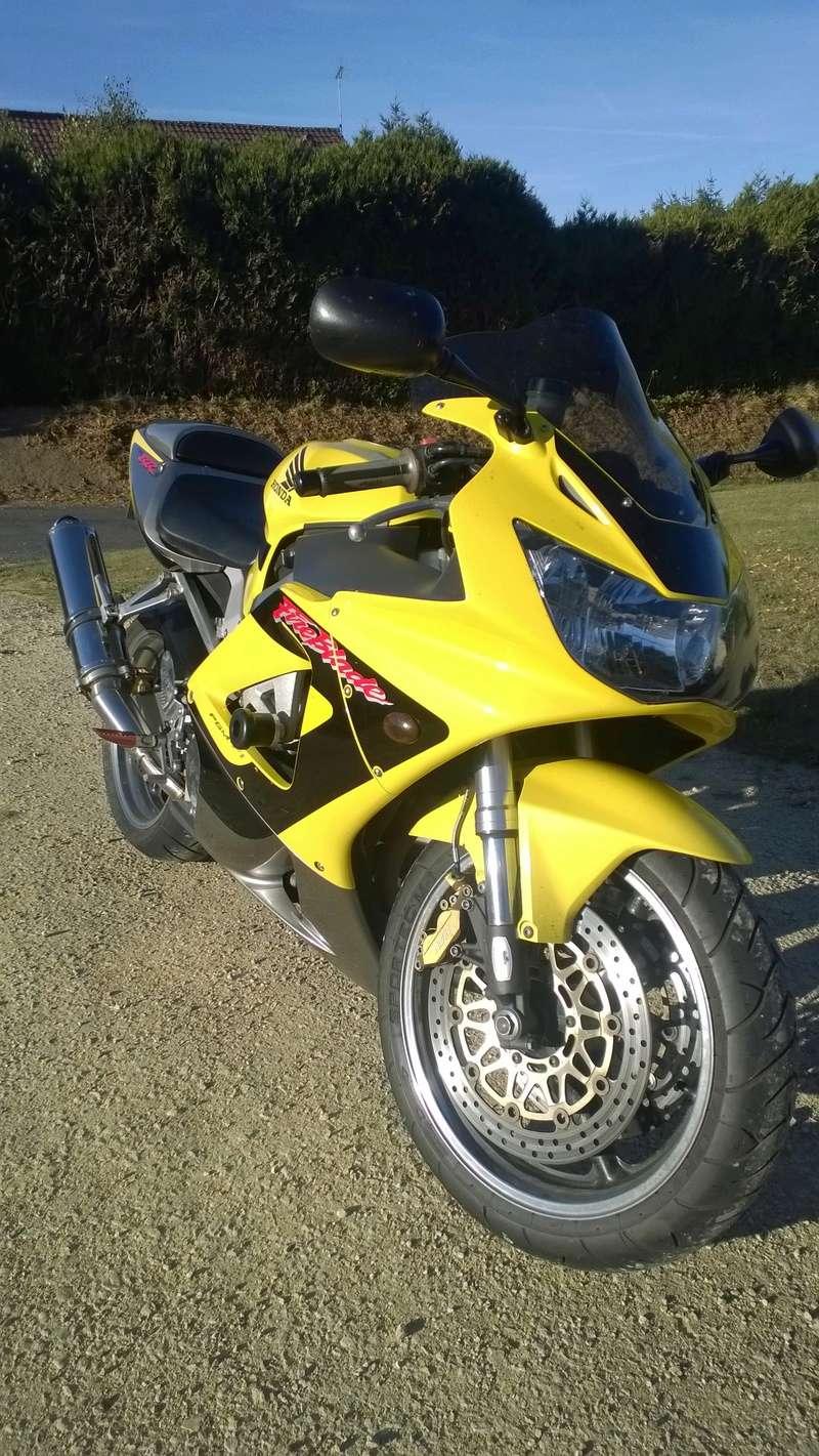 Ma belle jaune Wp_20110
