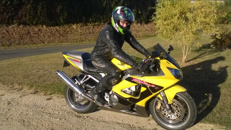 Ma belle jaune Wp_20111