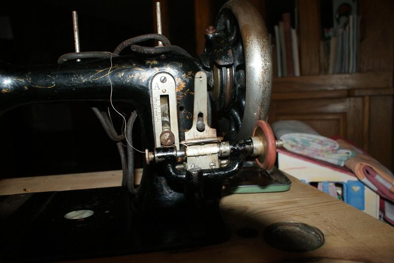 concernant la canette d'une machine à coudre la favorite (c'est une Mundlos Original Victoria). Machin12